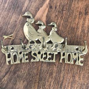 🇨🇦Vintage Brass Geese Key Rack